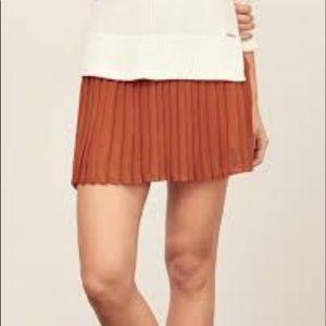 Abercrombie burnt Sienna pleated skirt